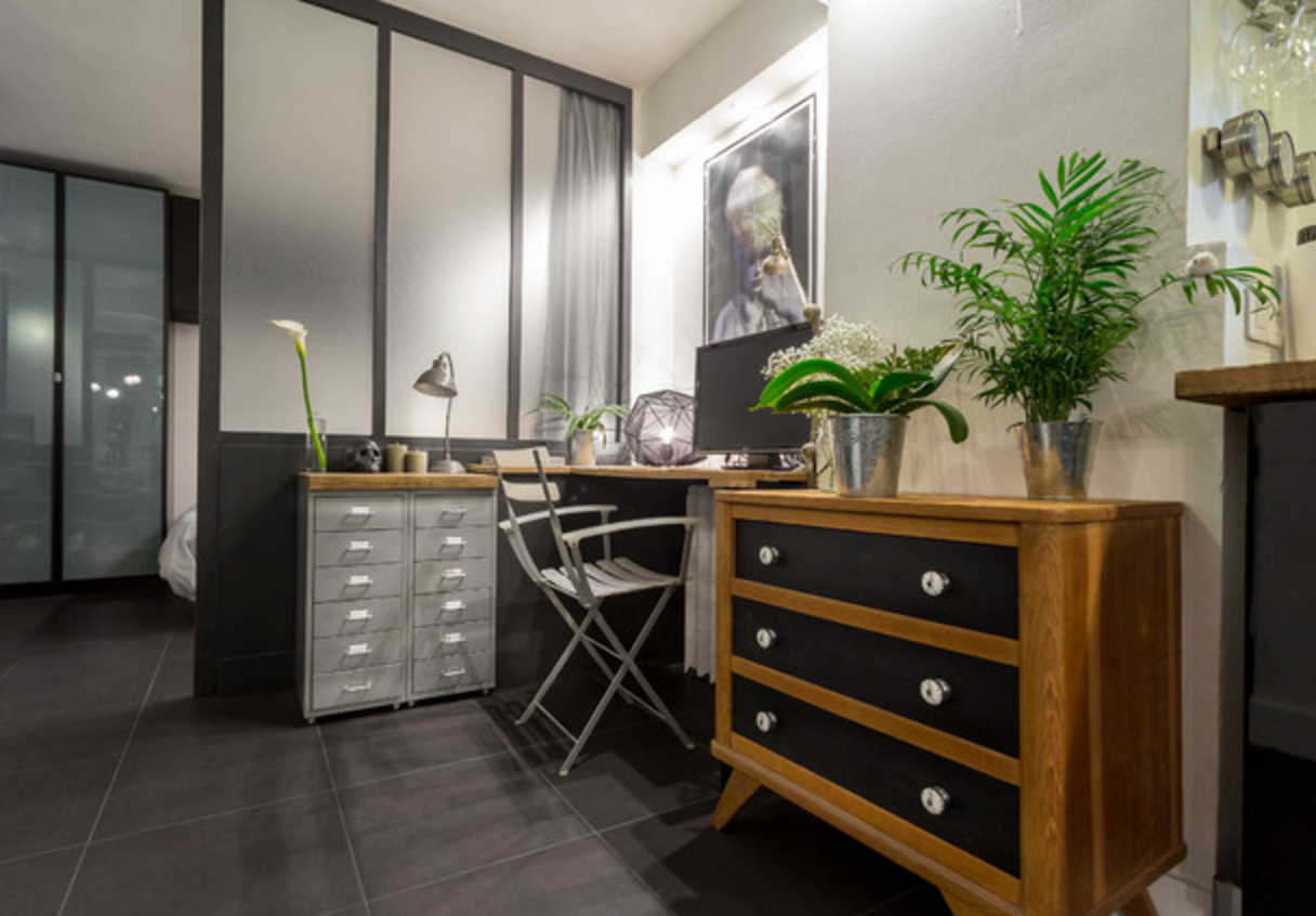chambre avec salle de bain verriere. Black Bedroom Furniture Sets. Home Design Ideas